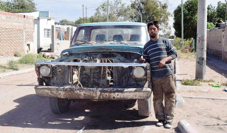 Clamor en las redes para que Ford le obsequie una camioneta a Firmapaz