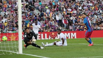 El primer gol del Kun Agüero y el desconcierto del Barcelona en el primer clásico sin Messi