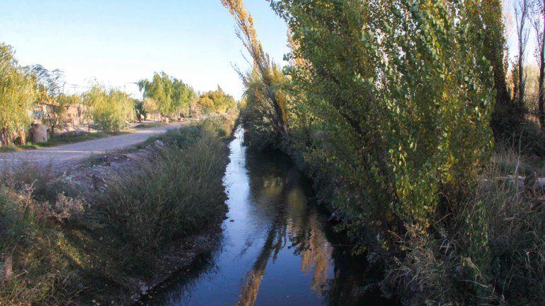 Mantener limpios y bien cuidados los canales de desagüe permite una rápida evacuación de las precipitaciones.