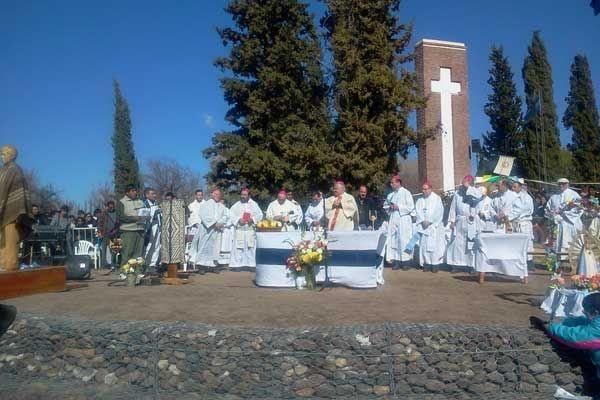 Miles de fieles veneraron a Ceferino