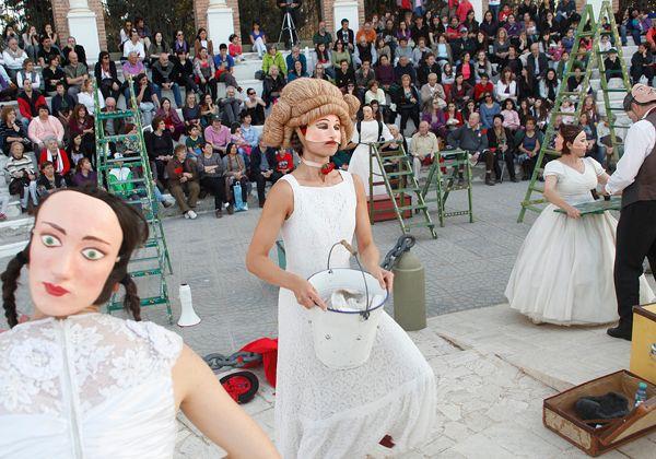 Una multitud de cipoleños presenció la obra Ay lamor! en el anfiteatro del Parque Rosauer