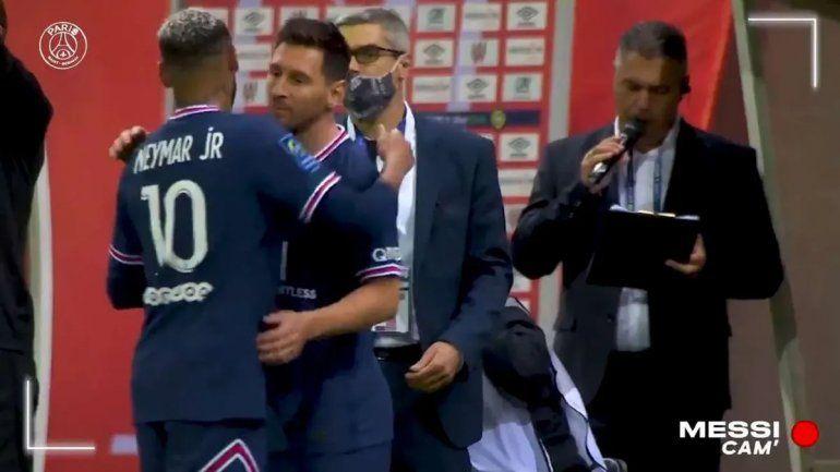 Hallazgo: hit de tablón argentino en el debut de Messi en Francia
