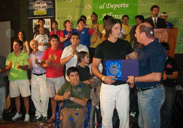 Federico Espinel, elegido deportista del año en Allen