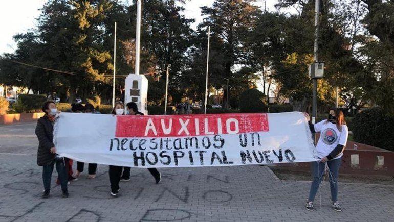 Vecinos de Cinco Saltos salieron a la calle para pedir un nuevo hospital