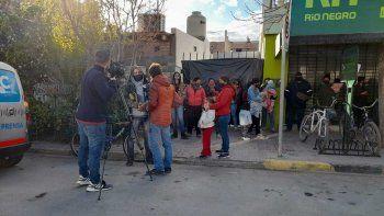 ocupantes protestaran con tortas fritas frente al municipio