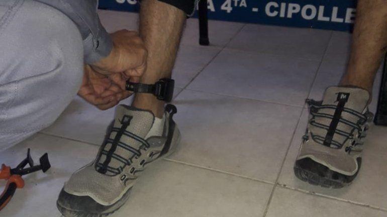 Cipoleño detenido con tobillera no lo quiere recibir nadie: le buscan domicilio donde cumplir la cuarentena