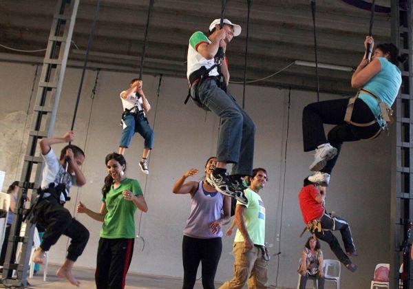 Élevé: danza aérea por la igualdad