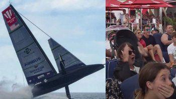 Como un avión: el increíble accidente de una embarcación en plena competencia