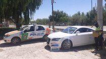 secuestran auto de alta gama con prohibicion para circular