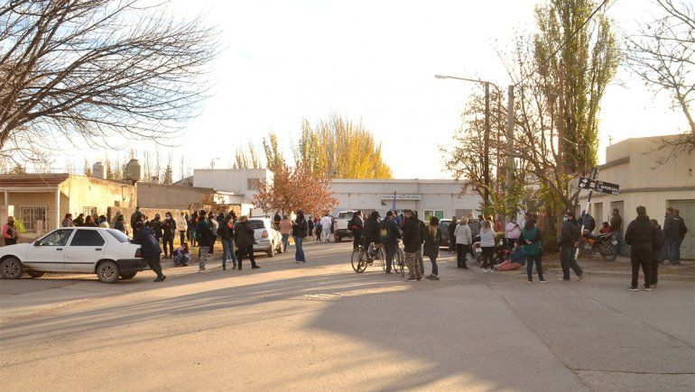 Vecinos del Obrero van a la Muni por la electricidad