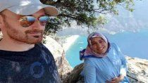 se saco una selfie con su esposa embarazada y la tiro al vacio