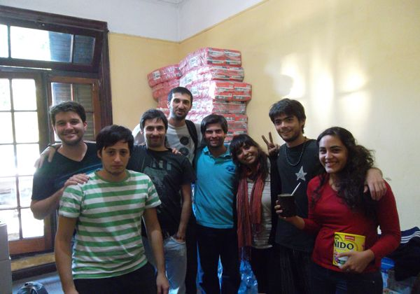 Estudiantes rionegrinos se reúnen por el temporal en La Plata
