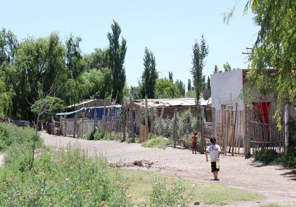 Familias volvieron a poblar el barrio Puente de Madera a pesar de olores