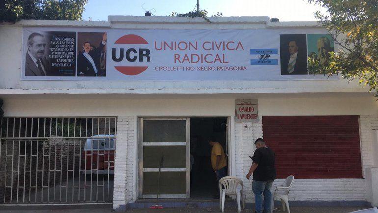La UCR pide reactivar todos los comercios