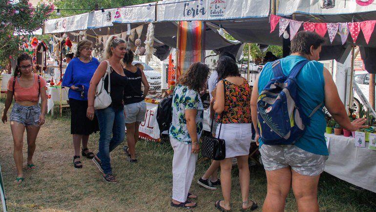 Se desarrolla con gran concurrencia la Feria Navideña