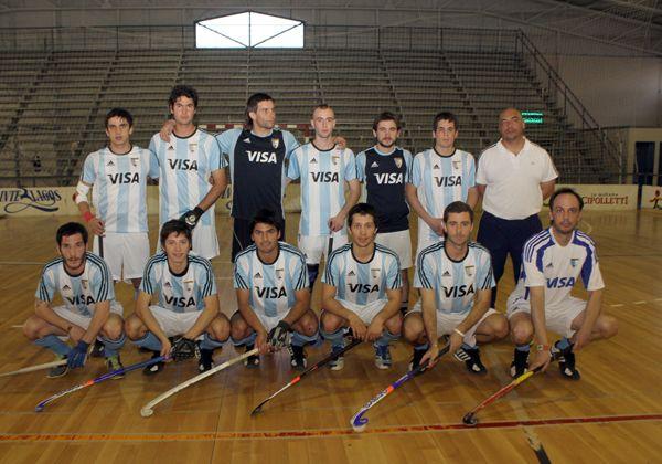 Selección de hockey pista concentra en Cipolletti