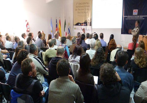 Culminó con éxito el I Encuentro Internacional de Productores Frutícolas