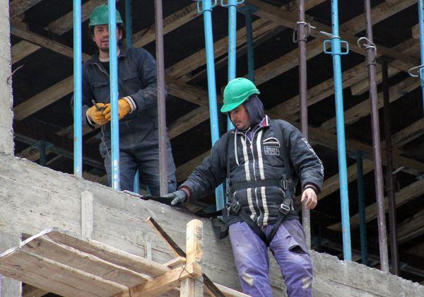 Hay 800 desempleados en construcción