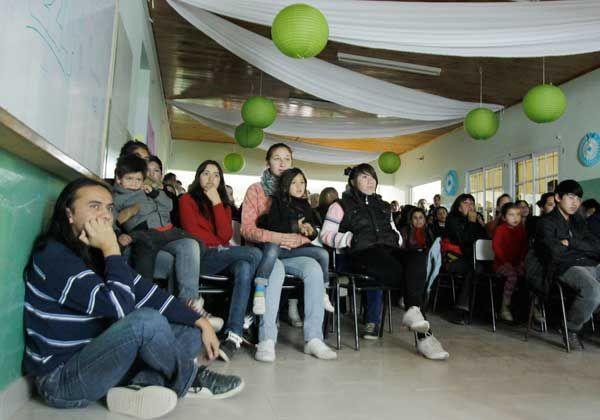 El secundario de Las Perlas celebró un nuevo aniversario y pidió por su edificio