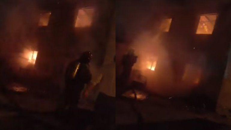 El joven herido en un incendio en el Mapu sigue grave y lucha por su vida
