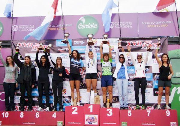 Cipoleñas en el podio de Río Pinto