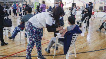 arranco en cipolletti la vacunacion a menores sin factores de riesgo