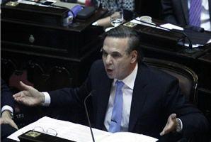 Pichetto no va a reunificar a la presidencia del bloque en el Senado