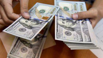 Dolar: el blue saltó a $195 y llegó a su máximo histórico