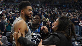 Estrella de la NBA perdió a 7 familiares por Covid y subió videos antes de que mueran