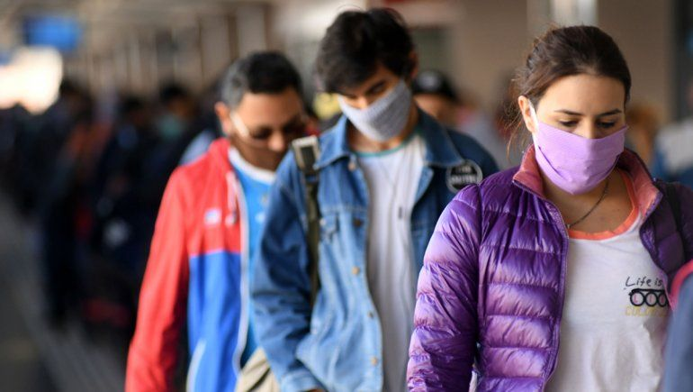 Otro día récord en el país: hubo 438 positivos y 11 muertos por coronavirus