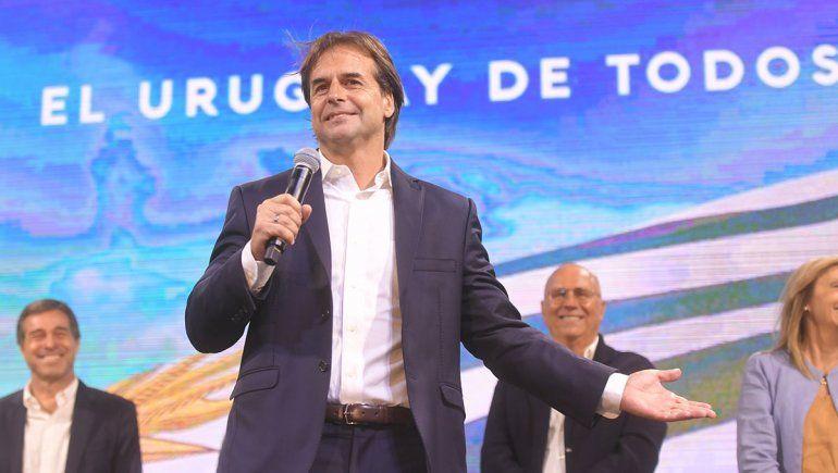 El presidente uruguayo aislado por contacto con caso positivo