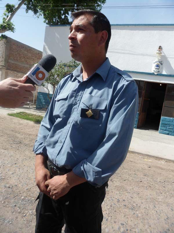 Golpean e incendian vivienda a un hombre en Fernández Oro