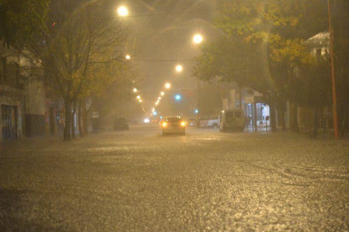 Debieron evacuar a 15 personas por el temporal de lluvia