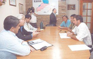 El encuentro en el Obispado acercó posiciones entre el Gobierno y UNTER