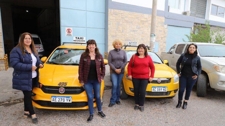 Taxi rosa: el servicio para pasajeras mujeres que llegó a Neuquén