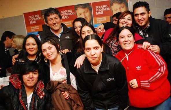 Barbeito con jóvenes radicales en Bariloche