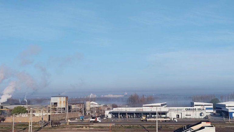 La capa de humo cubrió todo el sector de chacras.