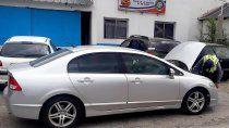 la caminera secuestro un auto de alta gama que era robado