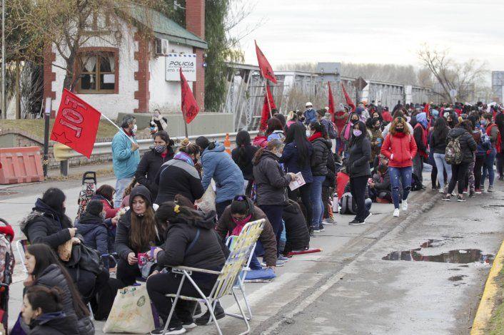 Organizaciones sociales levantan los piquetes, tras reunión con el Gobierno