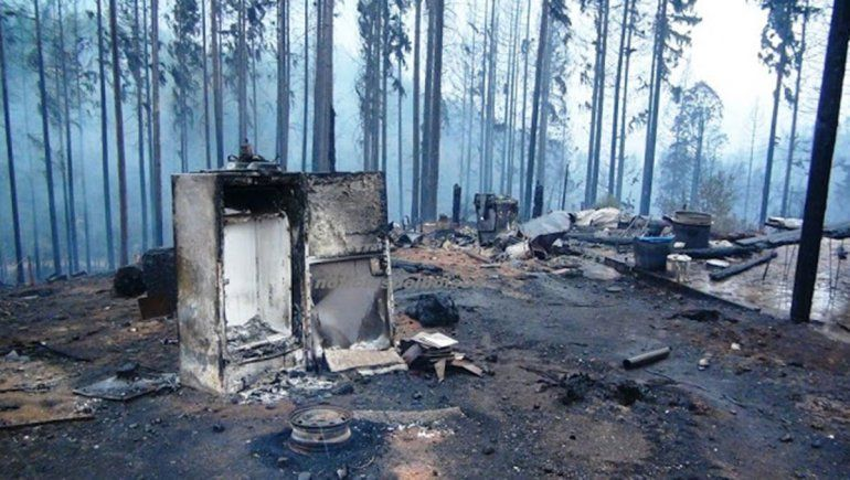 Incendios intencionales en la Comarca: buscan un auto blanco