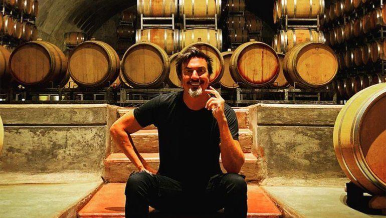 Llega a Neuquén el show de vinos, astrología y humor de Joe Fernández