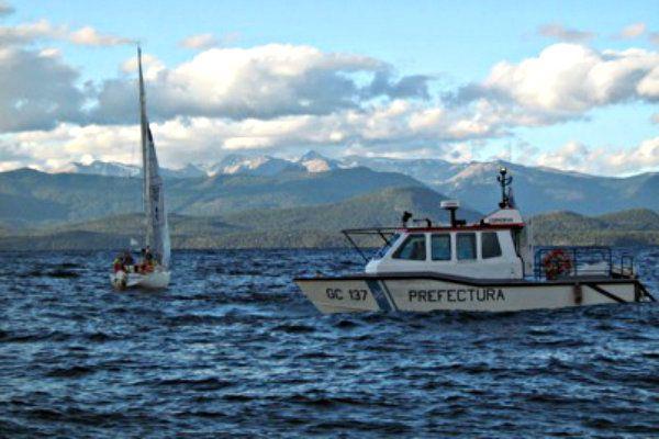 Rescatan a 4 turistas en el lago Nahuel Huapi