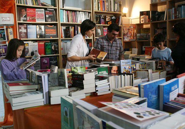 Buenas ventas en la Feria del Libro