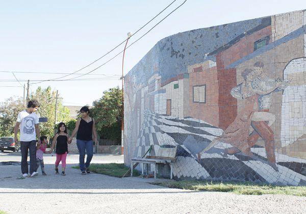 La Plazoleta del Tango ya luce un renovado mural