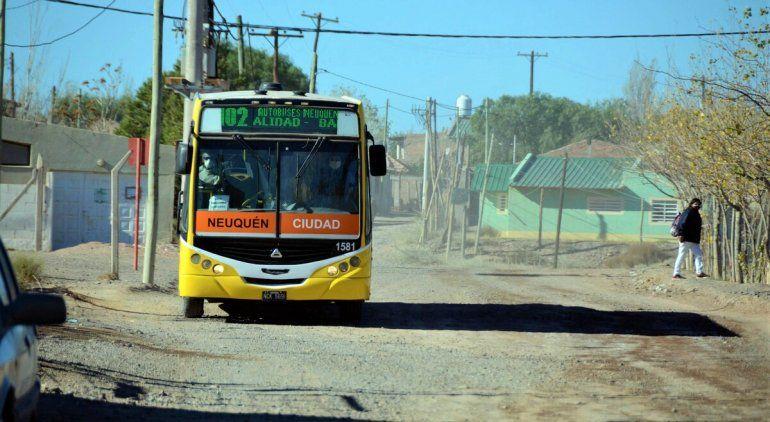 La polémica por el servicio de transporte público con que cuenta Las Perlas está lejos de apaciguarse todavía.