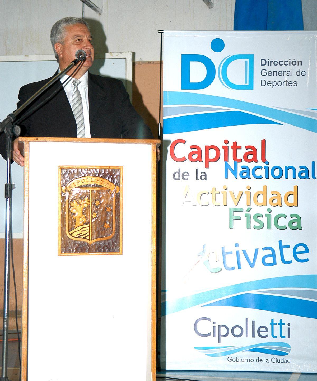 Baratti puso en marcha el Congreso de la Actividad Física
