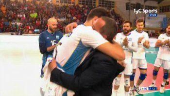 José Montesano, el periodista que volvió de la muerte y llora con los jugadores