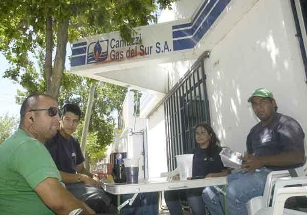 Trabajadores continúan con la ocupación en Camuzzi