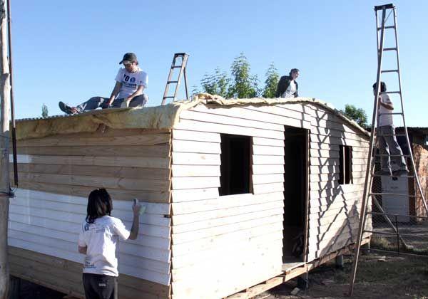 Siete familias cipoleñas tienen un nuevo hogar