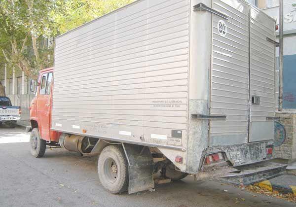 Persecución, tiros y choques por robo de un camión